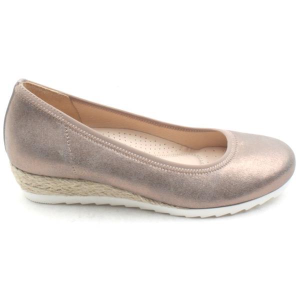 dd6f622f50e Gabor 22641 Wedge Shoe - Rose Metallic